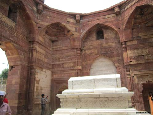 Tomb of slave-king Sultan Iltutmish